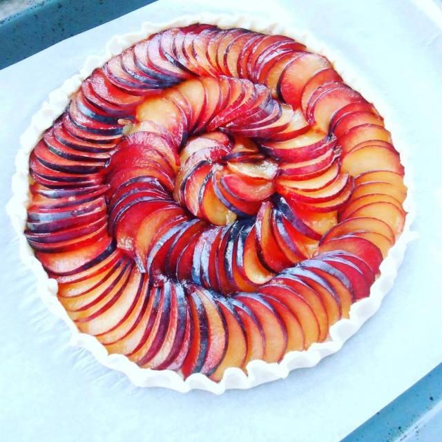 plum pastry total circle