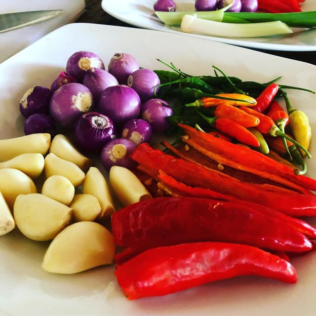 sate raw ingredients for paste