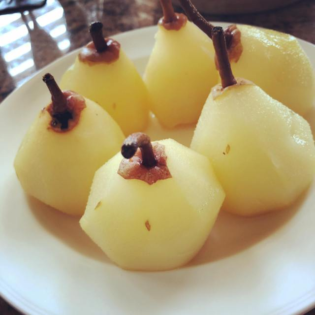 pears cooked for the tart