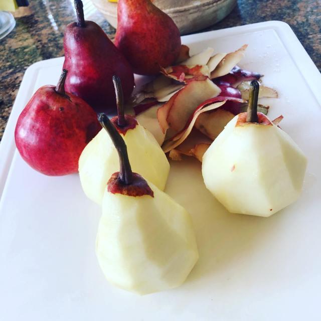 pears cut
